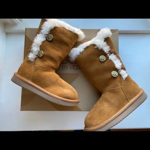 Koolaburra by ugg girls tall Chestnut boots 12
